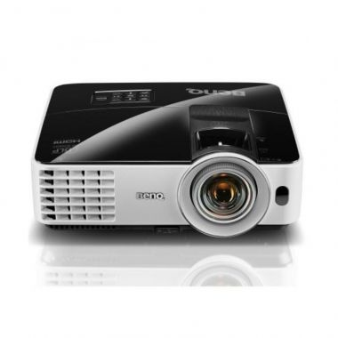 AV040 - Projector and screen 2,4x1,8m  for rent (rates per day)